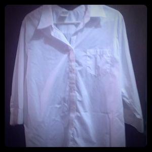 🐞 White button-down blouse